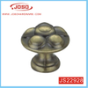Traditional Top Flower Kitchen Knob in House